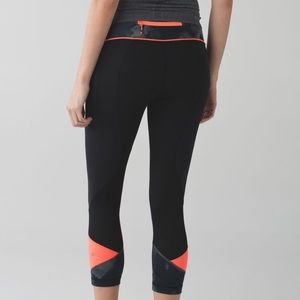 Lululemon Black pace rival crop leggings size 6